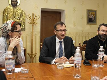 Голова відділу зустрівся з делегацією Всесвітньої Ради Церков