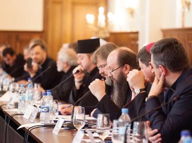 Голова Синодального відділу УПЦ з соціально-гуманітарних питань прийняв участь у черговому засіданні постійно діючого Круглого столу